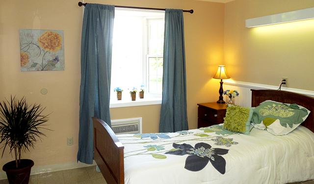 ApplewoodBedroom316